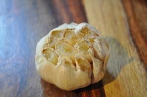 preparing smoked garlic recipe